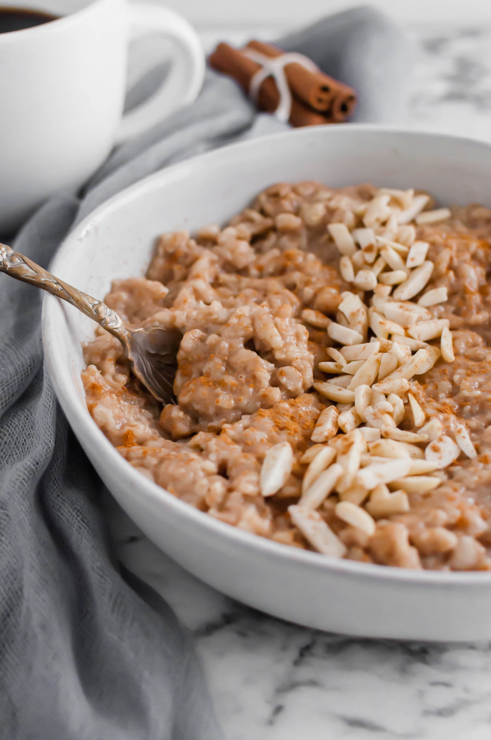 This Brown Sugar Cinnamon Instant Pot Oatmeal couldn't get easier to make. The perfect breakfast for school mornings.